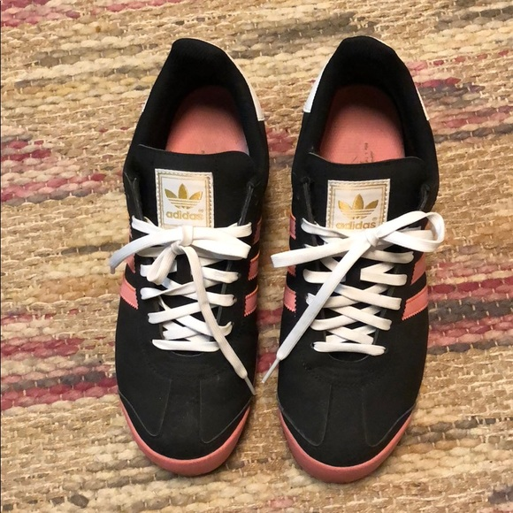 adidas scarpe taglia 10 rosa e nero poshmark samoa.